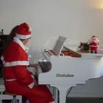 der Weihnachtsmann kann auch Klavier spielen